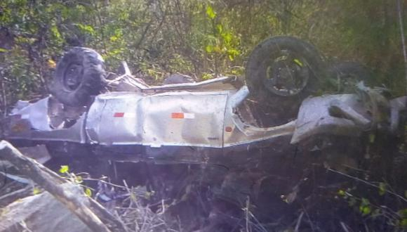 Piura: mujer fallece y tres familiares acaban heridos tras despiste de camioneta en abismo (Foto: PNP)