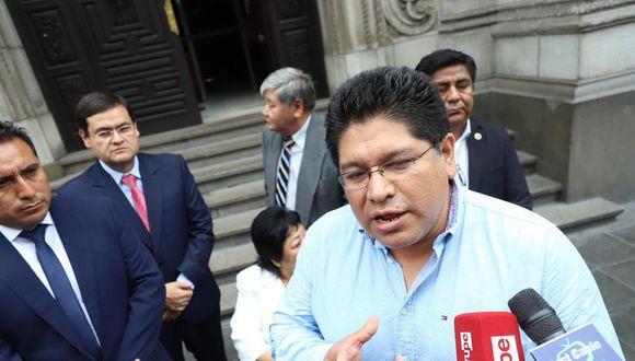Espinoza, vocero de Somos Perú, solicitó que se convoque a Junta de Portavoces para que se aborde únicamente la carta de los embajadores (Foto: GEC)