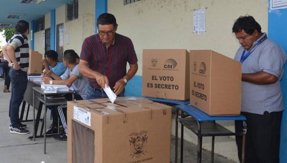 Apenas termina la hora de votos, los miembros de las JRV deben comenzar con el conteo de los votos uno por uno (Foto: CNE)