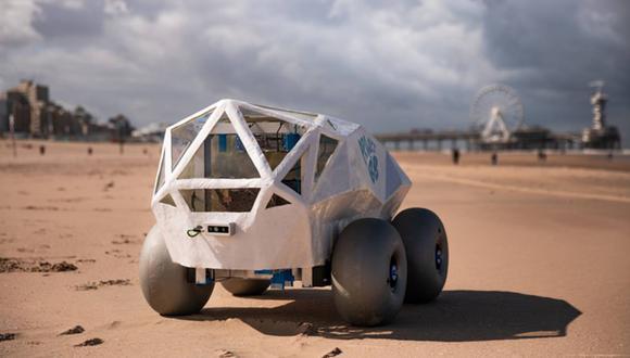 Así luce BB, el robot que utiliza un sistema de inteligencia artificial para detectar y remover las colillas de cigarillos en las playas de Países Bajos. (Captura de pantalla)