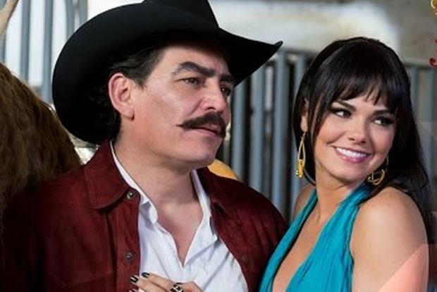 José Manuel Figueroa y Livia Brito protagonizaron la bioserie. (Foto: Univision)