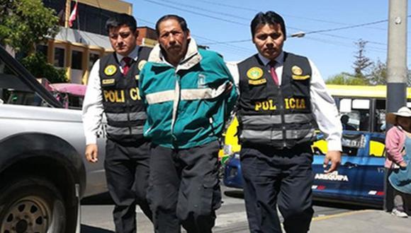 Arequipa: Poder Judicial condenó a 35 años de prisión a Felipe Mario Choque Choquehuanca, acusado de torturar y matar a puñaladas a Efraín Salas Montoya (75) en su vivienda.