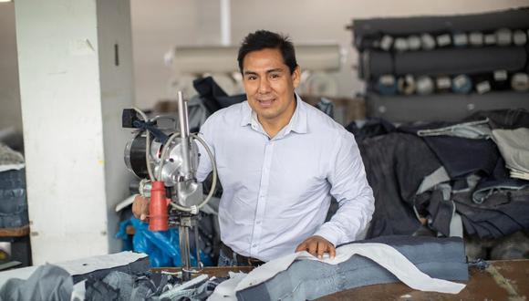 Graus, cajamarquino de nacimiento, da trabajo a 220 personas en su planta de teñido y fabricación de prendas. (Foto: César Campos)