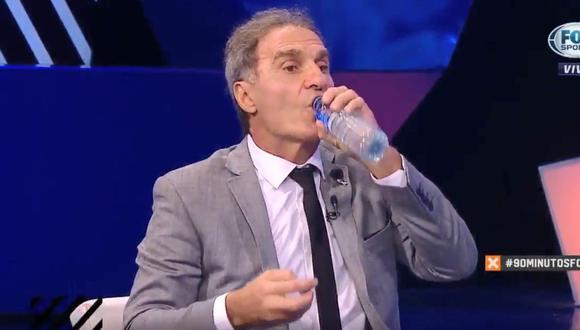 Ruggeri fue blanco de una nueva broma: tomó agua con sal en pleno programa en vivo. Fotocaptura