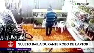 Los Olivos: Delincuente baila mientras roba una laptop