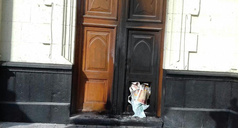 """""""Si el incendio seguía, hubiera consumido imágenes antiguas y valiosas"""", dijo el vicario responsable de la capilla. (Foto: cortesía)"""