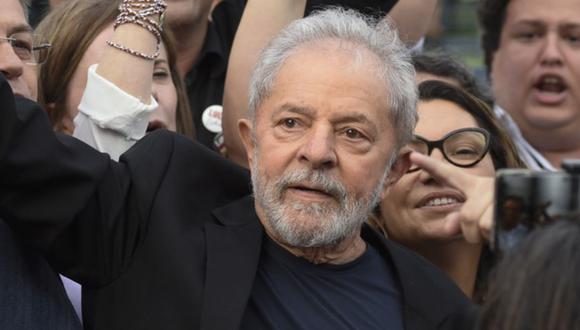 Un juez en Brasil autorizó el viernes, la liberación del ex presidente Luiz Inácio Lula da Silva, luego de que un fallo de la Corte Suprema allanó el camino para la liberación de miles de condenados. (Foto: AFP).
