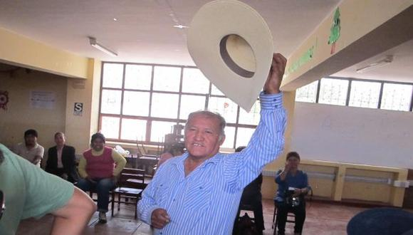 """Candidato que dijo que robó """"en carretilla"""" ganaría en Moquegua"""