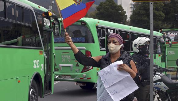 La pandemia del COVID-19 obligó al Gobierno a tomar duras medidas de restricción que paralizaron la mayor parte del sector productivo y ha dejado a miles de ecuatorianos sin empleo. (Foto: AFP)