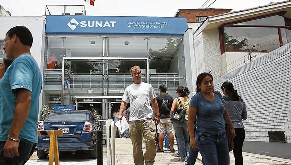 Si se realiza el trámite de la suspensión de retenciones del Impuesto a la Renta, la Sunat no aplicará una retención del 8% cuando un trabajador independiente emite un recibo por honorarios. (Foto: Manuel Melgar / GEC)