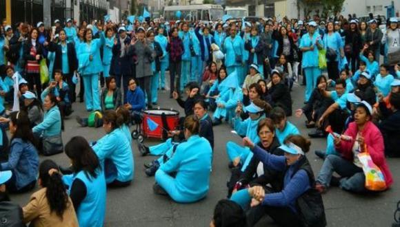 EsSalud: seis sindicatos inician huelga nacional el miércoles