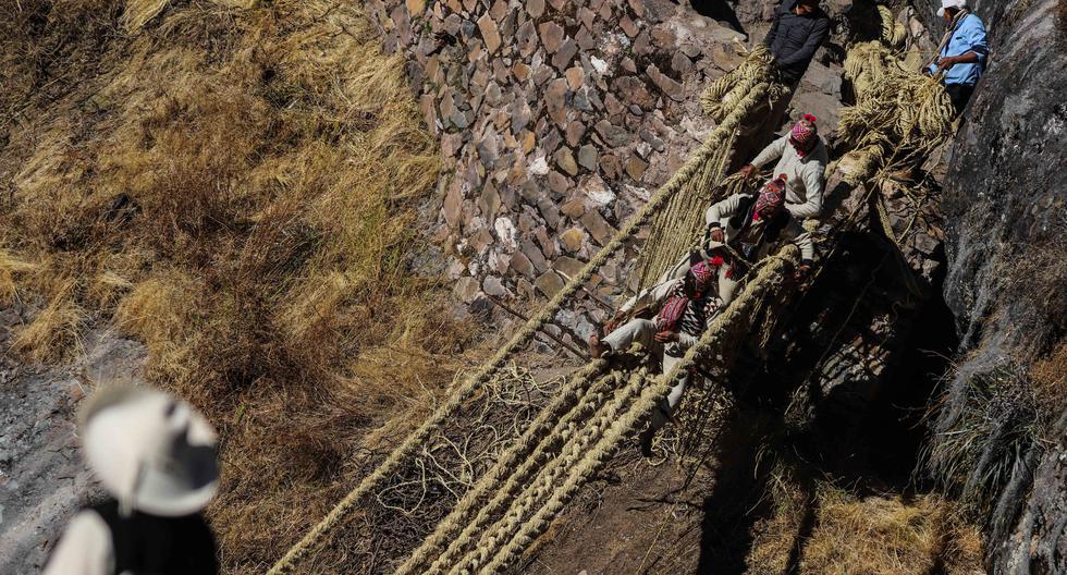 Comuneros de Quehue (Cusco) repararon este puente construido por los incas hace más de cinco siglos y que el pasado 23 de marzo del 2021 colapsó (El Comercio/Melissa Valdivia)