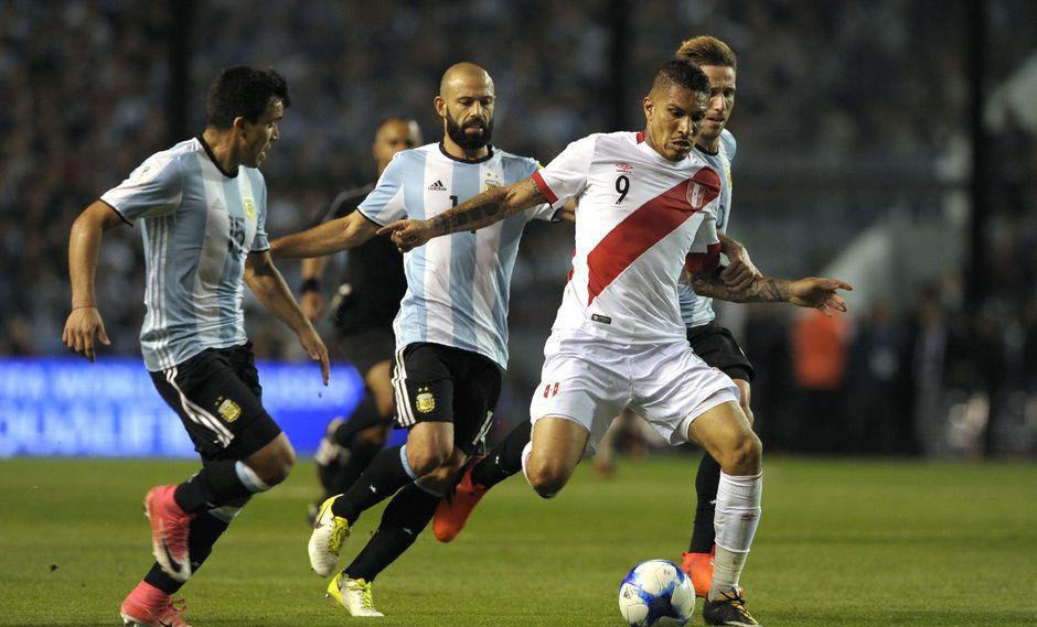Paolo Guerrero fue suspendido un año por el resultado analítico adverso que arrojó la prueba de doping del jugador tras el partido ante Argentina. (Foto: AFP)