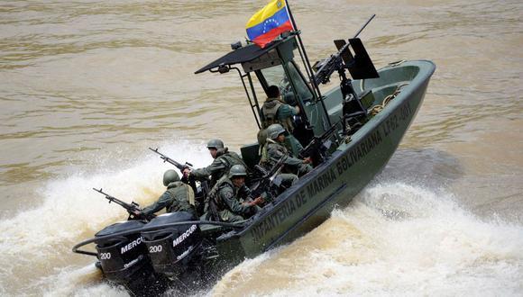 Infantería de Marina venezolana en el borde del río Arauca, en el estado de Apure. (Foto referencial, AFP / Leo RAMIREZ).