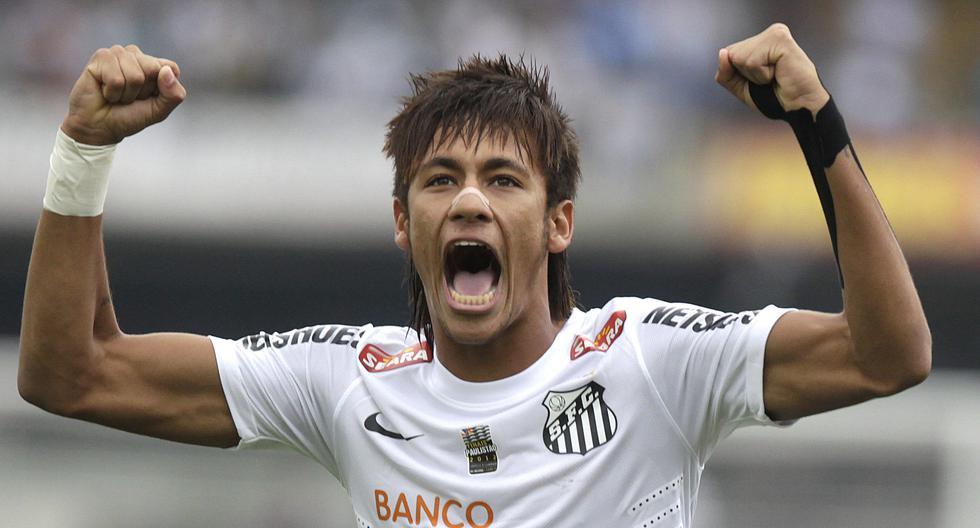 Neymar jugó en el primer equipo del Santos desde el 2009 hasta el 2013 antes de irse al Barcelona. (AP Photo/Andre Penner, File)