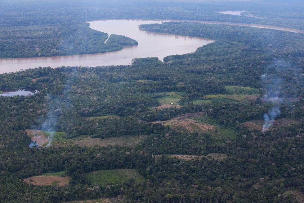 La frontera entre Perú y Colombia tiene más de 1.600 km de largo. Gran parte de la frontera es natural: las aguas del río Putumayo, que le dan dinamismo al comercio en la zona, pero también a actividades ilegales como el narcotráfico. (Foto: Mindef)