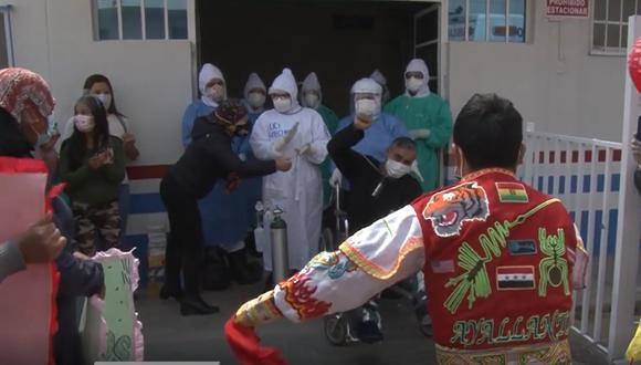 Junín: reciben a promotor cultural con danza de tijeras tras superar el COVID-19 (Foto: Diresa Junín).