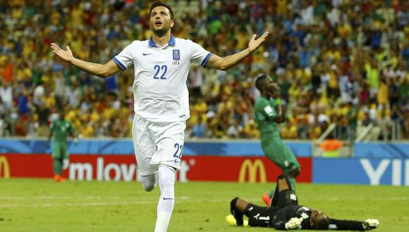 Grecia venció 2-1 a Costa de Marfil y clasificó a octavos
