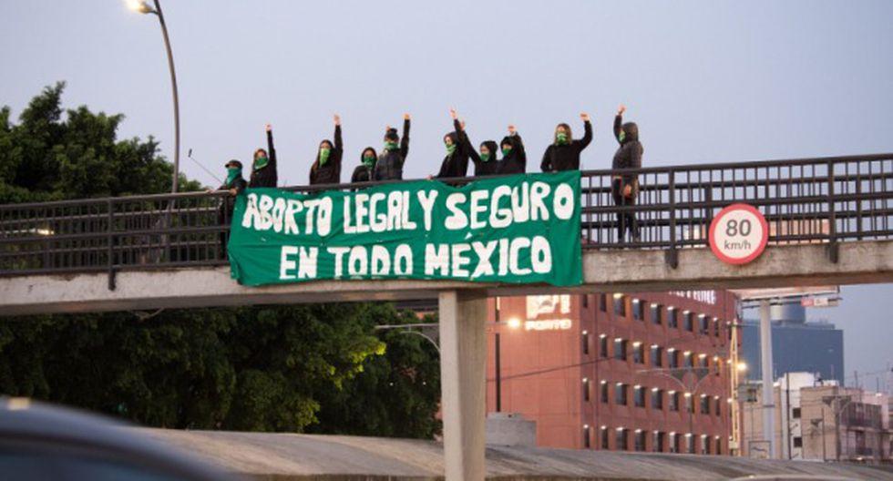 """En el marco del Día Internacional de la Mujer que se celebra el próximo 8 de marzo exigieron al estado que garantice """"el aborto legal, seguro y gratuito en todo México"""". (Foto: Twitter)"""