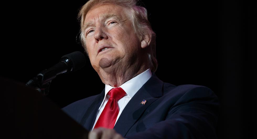 Donald Trump confirmó en una rueda de prensa brindada este martes que suspenderá la inmigración al país por al menos 60 días. La cuestionada decisión se suma a una lista de polémicas adoptadas desde Washington en medio de la emergencia sanitaria por el coronavirus. (Foto: AP /Evan Vucci)