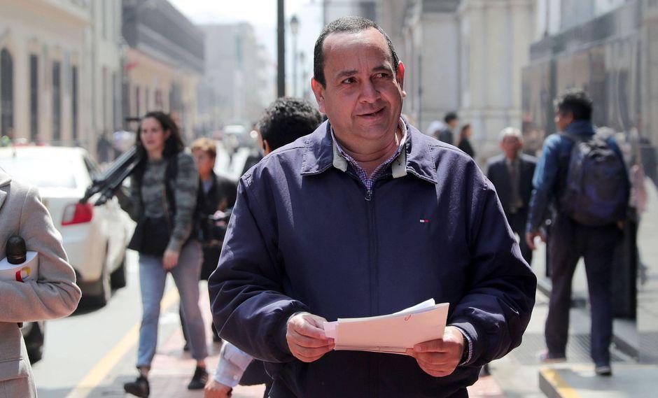 """Oscar Pérez, presidente de la ONG Unión Venezolana, le responde al presidente Nicolás Maduro, quien el martes dijo que los inmigrantes se toparon en el Perú con """"racismo, desprecio, persecución económica y esclavismo"""". (EFE)."""