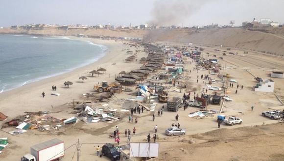 Playa El Silencio: así fue el desalojo de los puestos de comida - 11