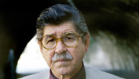 Alfredo Bryce (Lima, 1939) se traslado a París en la década del sesenta. Esta imagen fue tomada en la capital francesas en septiembre de 1997. (Foto: Getty Images)