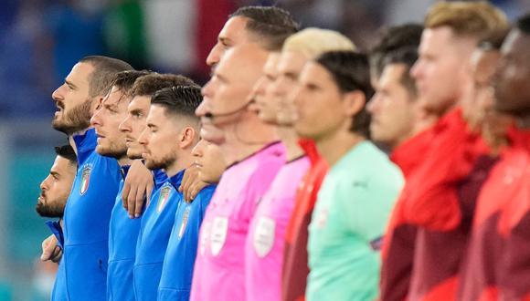 Italia vs. Suiza chocan por la jornada 2 de la Eurocopa 2021. (Foto: AFP)