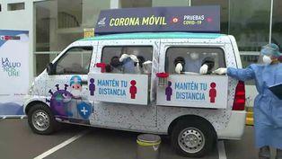 "El ""Coronamóvil"" recorre calles de Lima para contener la COVID-19"