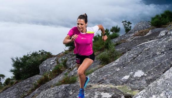 Aroa Sío pasó de fumar una cajetilla diaria a correr ultra trail por las montañas de España. (Foto: Instagram | aroasiorecknold)