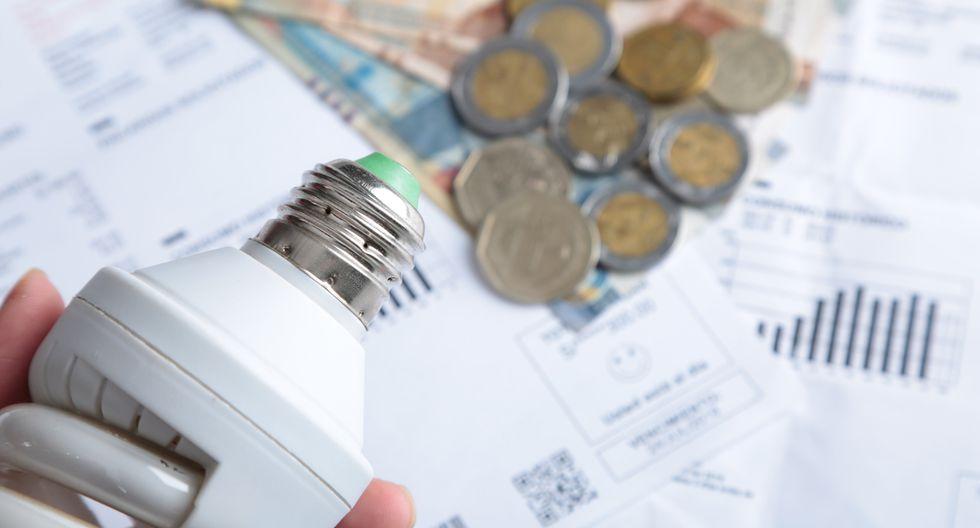 Debido a la falta de supervisión de los medidores, tanto Enel como Luz del Sur realizaron un cobro promedio en el servicio eléctrico. (Foto: GEC)