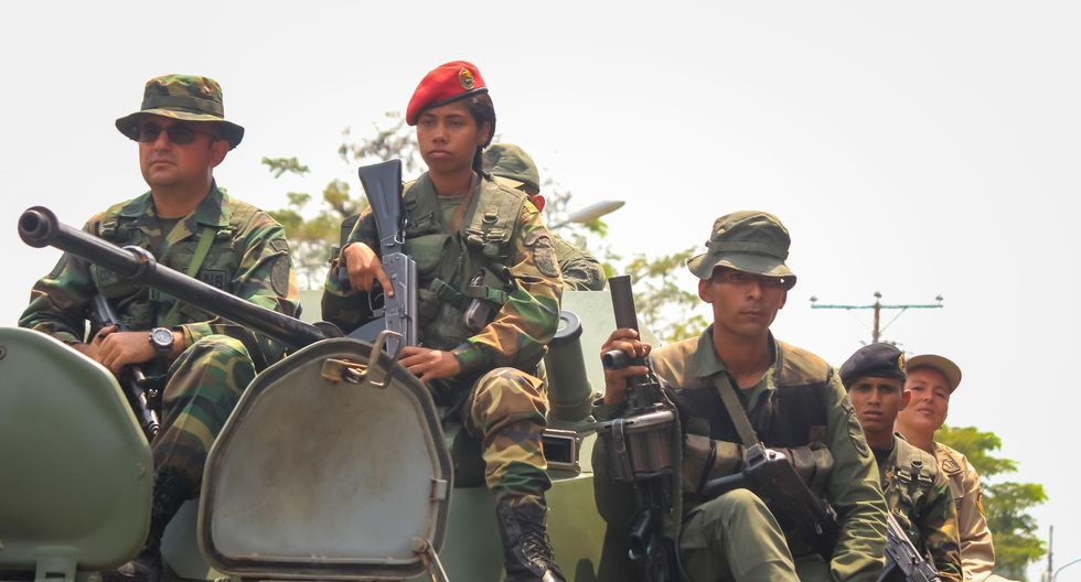 Miembros de organismos de seguridad participan en ejercicios militares como parte de la Operación Escudo Bolivariano 2020 ordenado por el presidente de Venezuela, Nicolás Maduro. (EFE/ JOHNNY PARRA).