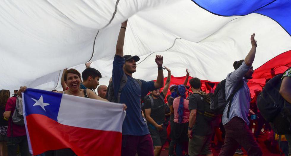 Las protestas por variadas demandas sociales son uno de los factores que enmarcan las elecciones presidenciales en Chile. (Foto: AFP)
