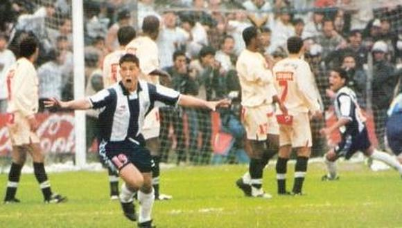 Gareca celebrando su gol ante los cremas. (Foto: Cortesía de Alianza History @alianzahistory)