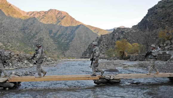 Un batallón patrullando en Afganistán, cerca al pueblo Shigal, ubicado en la provincia de Kunar. Imagen de archivo, del 2009. (AFP PHOTO/Tauseef MUSTAFA)