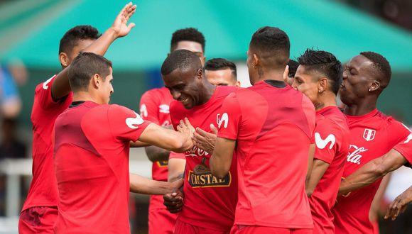 Selección peruana cerró participación en el Mundial Rusia 2018 con emotiva foto grupal. (Foto: AFP)