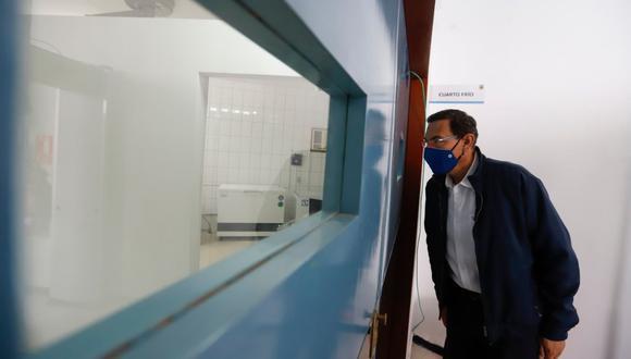 Martín Vizcarra verificó ensayos clínicos de la fase 3 de la vacuna contra el covid-19 del laboratorio Sinopharm de China en la UNMSM. (Foto: Presidencia)