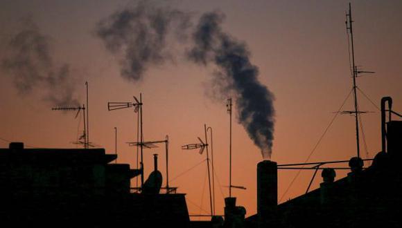 Italia baja límite de velocidad para frenar contaminación