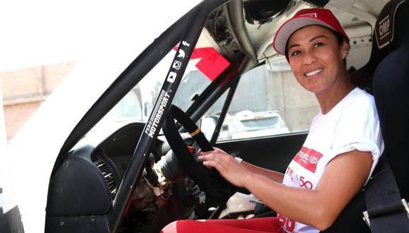 En su primera participación en el Dakar, Fernanda Kanno llegó hasta la etapa 11 y prometió volver el 2019 al rally más exigente del mundo. (Foto: EFE)