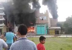 Cajamarca: incendio afecta almacén de ferretería en Jaén | VIDEO