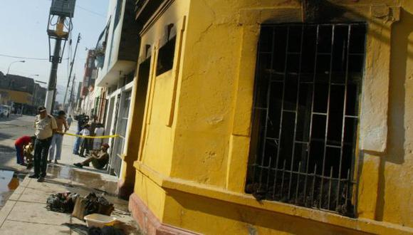 Obreros impagos queman casas de dos regidores ancashinos