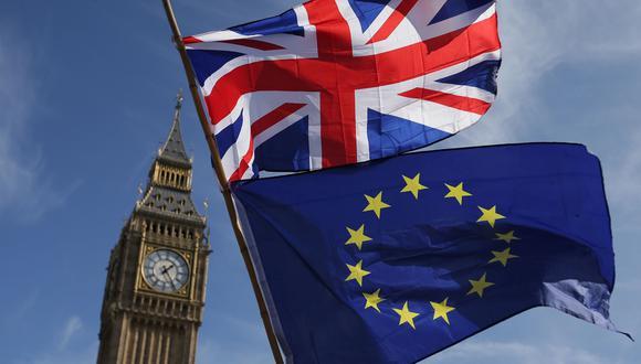 - El Brexit - En el referéndum del 23 de junio de 2016, los británicos decidieron (en un 52%) abandonar la Unión Europea, tras una campaña centrada en la inmigración y la economía. (Foto: AFP)