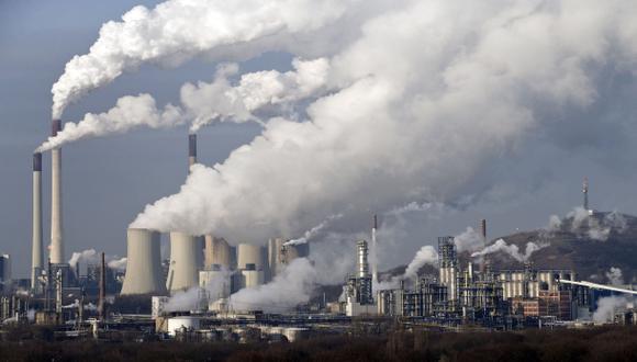Ministro de Ambiente defiende alza de ISC a petróleo industrial