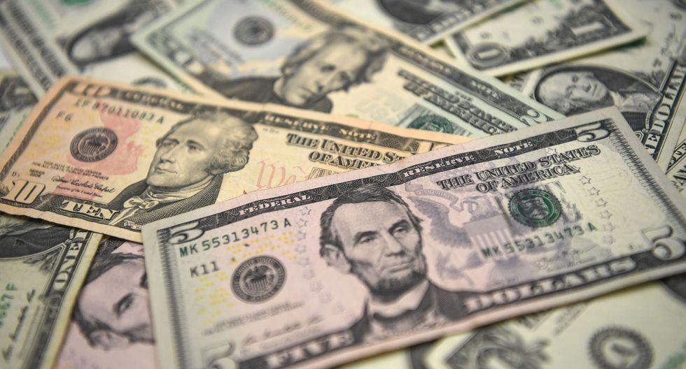Según detalla un informe de la ONG Oxfam, 2.153 personas tienen ahora más dinero que los 4.600 millones de personas más pobres del planeta. Además, dentro del excluyente grupo destaca la concentración de riqueza en detrimento en particular de las mujeres. (Referencial AFP)