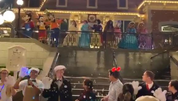 Así fue como se despidió Disneyland en California ya que cierra sus puertas por el brote del coronavirus en todo el mundo.