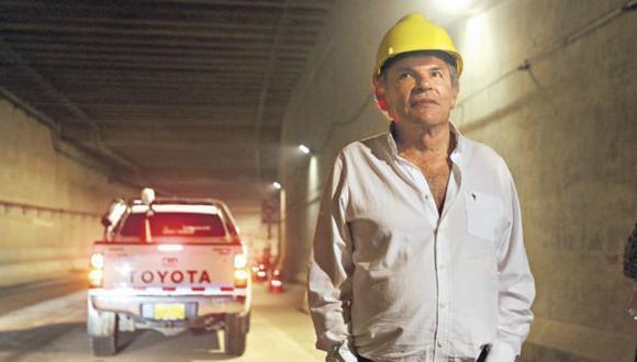 Para evitar posibles fugas y asegurar la participación de los investigados, la fiscalía solicitó ayer que no salgan del país Luis Castañeda ni otros implicados en el caso de presuntos pagos de OAS. (Foto GEC)