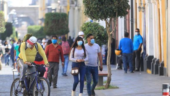 El alcalde Omar Candia señaló que Arequipa se encuentran en el pico más alto de la segunda ola. (Foto: GEC)