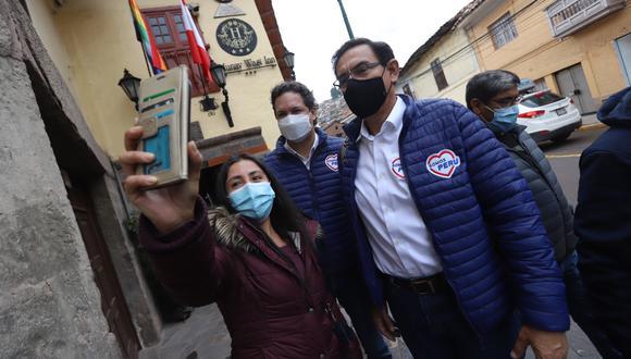 Vizcarra, el número 1 de Lima, es la esperanza de Somos Perú para brincar la valla. El candidato presidencial, Daniel Salaverry, soporta el relego. (Foto: Twitter de Daniel Salaverry)