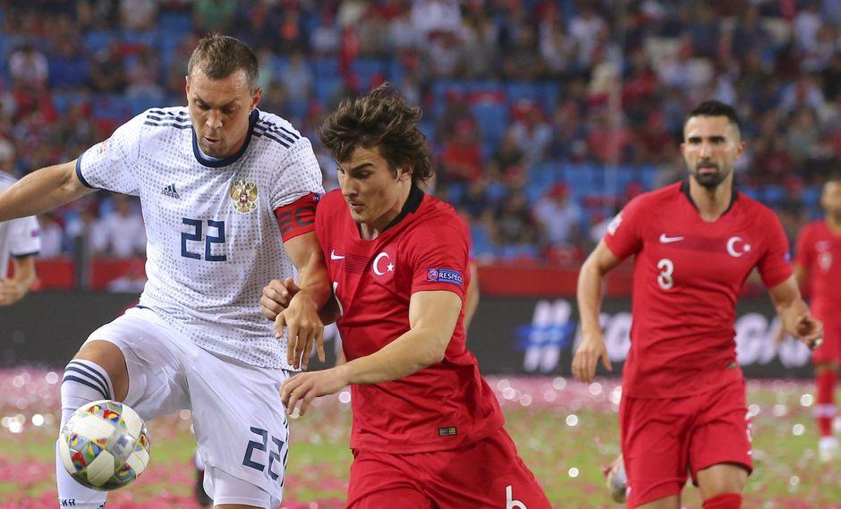 Rusia y Turquía se estrenan esta tarde (1:45 p.m. EN VIVO ONLINE por DirecTV Sports) en el Grupo 2 de la UEFA Nations League en Trabzon. (Foto: AFP)