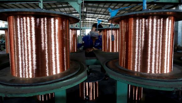 Los inventarios de cobre en depósitos registrados ante la LME cayeron a su nivel más bajo en un mes a 190.200 toneladas. (Foto: Reuters)